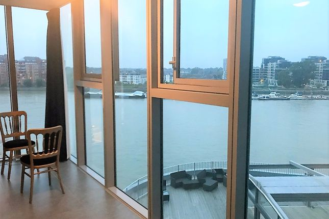 2 bed flat to rent in Falcon Wharf, 34 Lombard Road, London, Greater London