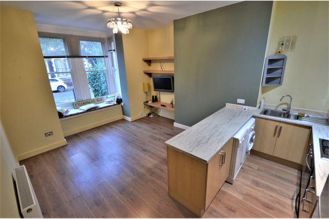 Thumbnail Flat to rent in 28 Merton Road, Southsea