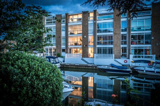 Thumbnail Terraced house for sale in Thameside, Teddington