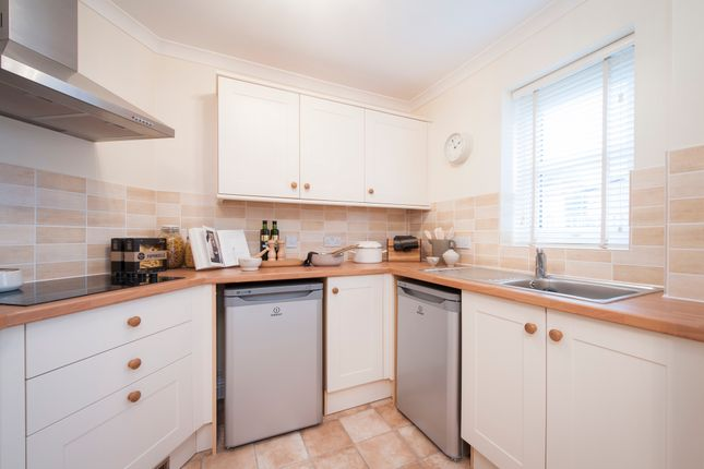 Thumbnail Flat to rent in Birch Court, Sway Road, Swansea, West Glamorgan