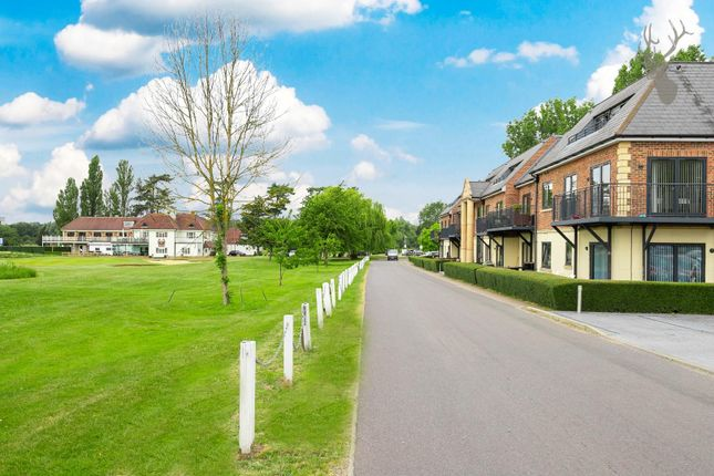Thumbnail Flat for sale in Abridge Road, Chigwell, Essex