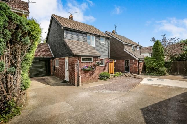 Thumbnail Detached house for sale in Elaine Close, Thornhill, Cardiff