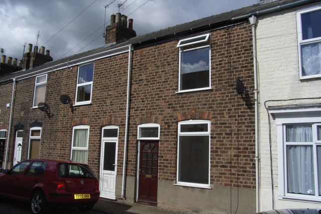 Thumbnail Terraced house to rent in Norwood Grove, Beverley