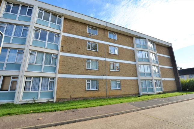Thumbnail Flat for sale in Wedhey, Harlow