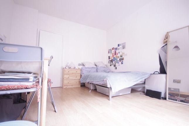 Thumbnail Flat to rent in Settles Street, Whitechapel