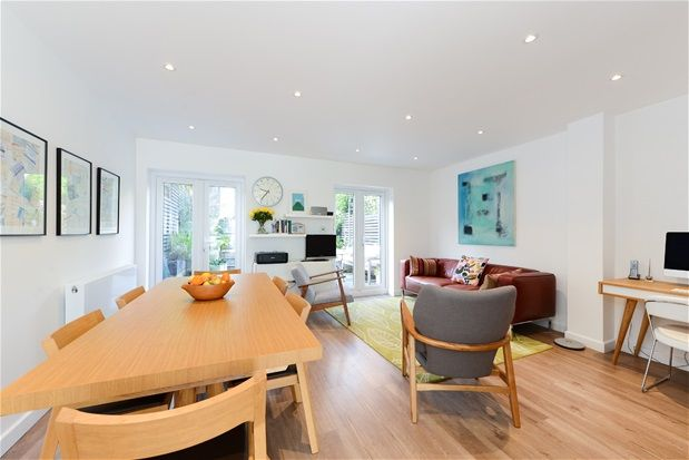 Thumbnail Property for sale in Grazeley Court, London