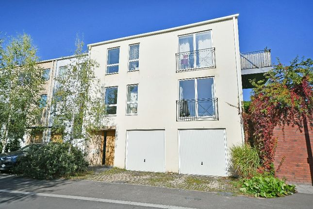 Thumbnail Flat for sale in Old Hospital Lawn, Stroud