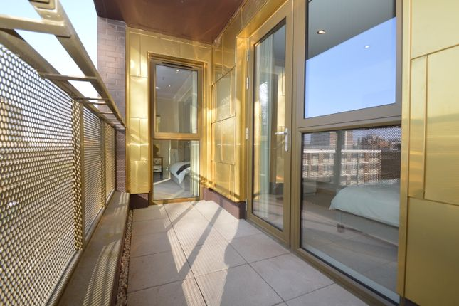 Flat for sale in Pitfield Street, Hoxton