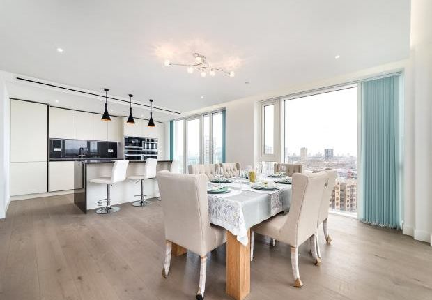 Thumbnail Flat to rent in Admiralty House, 150 Vaughan Way