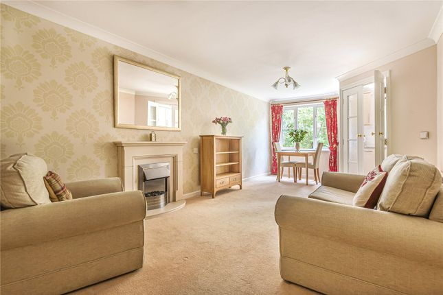 Thumbnail Flat for sale in Swan Lane, Faringdon