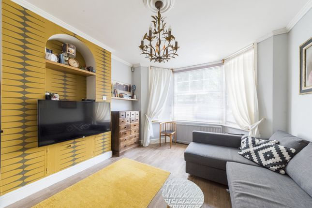 Thumbnail Flat for sale in Churchmead Road, Willesden