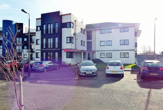 Thumbnail Flat to rent in Whiteside Court, Bathgate, West Lothian
