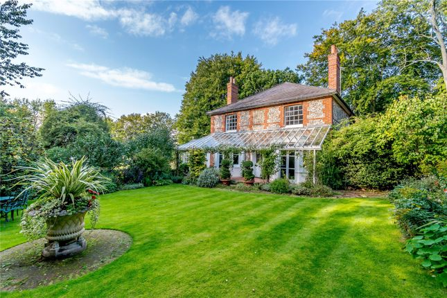 Thumbnail Detached house for sale in Windmill Hill, Chipperfield, Kings Langley, Hertfordshire