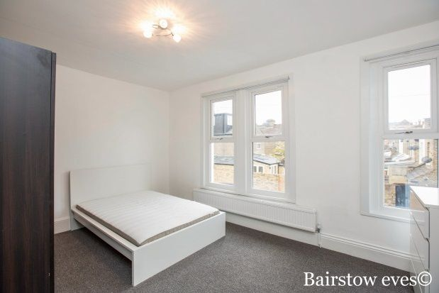 5 bed property to rent in Vaughan Road, London