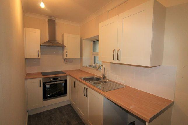 Thumbnail Flat to rent in Victoria Terrace, Newbridge, Newport