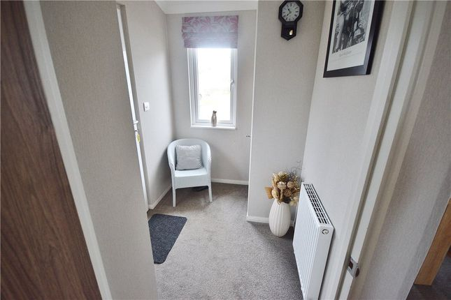 2 Bed Mobile Park Home For Sale In Takeley Hatfield Broadoaks Road Bishops Stortford CM22
