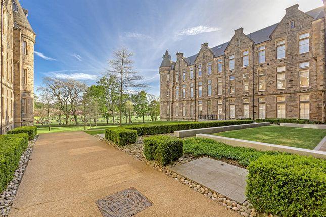 Thumbnail Flat for sale in 22/16 Simpson Loan, Quartermile, Edinburgh