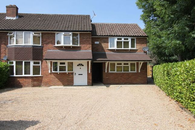 Thumbnail Flat to rent in Austenwood Close, Chalfont St. Peter, Gerrards Cross