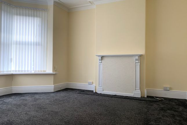 Living Room of Holtwood Road, Sheffield S4