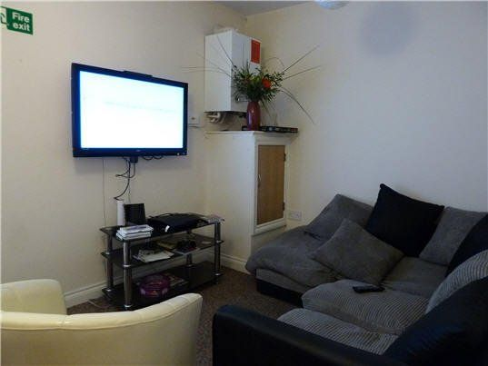 5 bed flat to rent in Belgrave Road, Mutley, Plymouth PL4