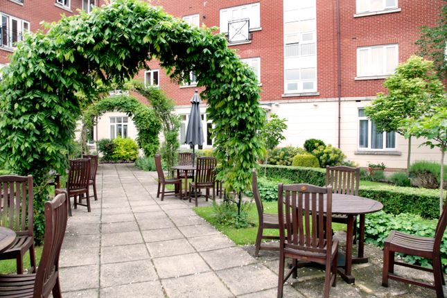 Thumbnail Flat for sale in 33 Langstone Way, Mill Hill, London