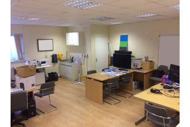 Office to let in Part First Floor, Worthing, West Sussex