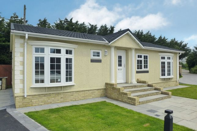 Thumbnail Mobile/park home for sale in A47, Elm, Wisbech