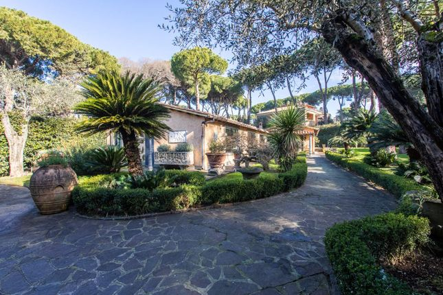 Thumbnail Town house for sale in Viale Delle Terme di Caracalla, 00153 Rome Rm, Italy