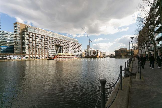 Flat to rent in 41 Millharbour, Canary Wharf, London
