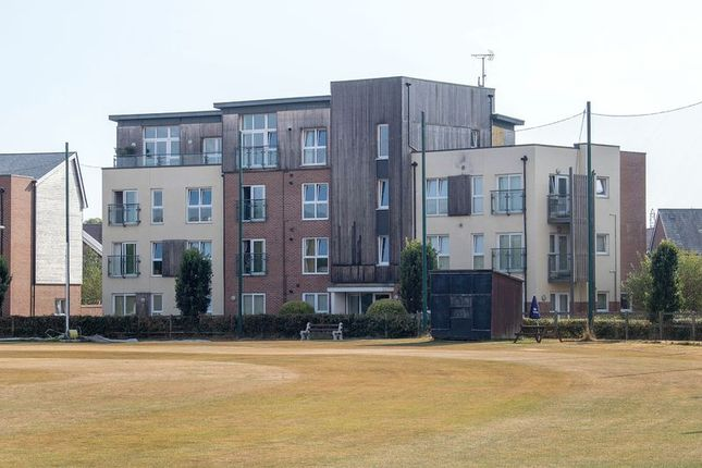 2 bedroom flat for sale in Brunswick Place, Totton, Southampton
