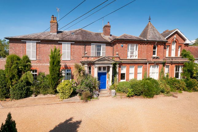 Thumbnail Property for sale in Tonbridge Road, Wateringbury, Maidstone