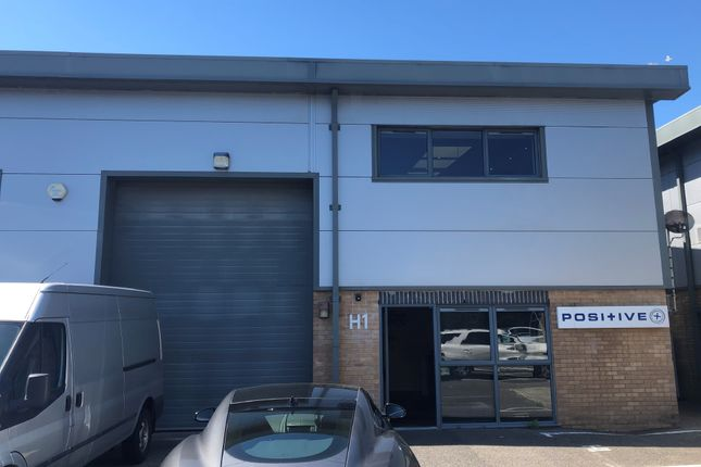 Thumbnail Office to let in Unit H1, The Fulcrum Business Centre, 7 Vantage Way, Poole