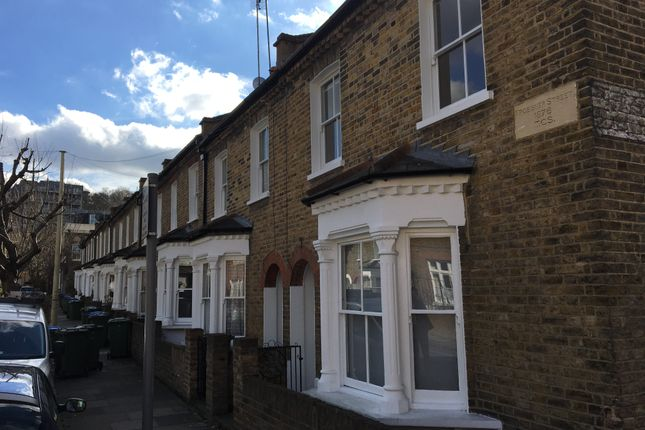 Thumbnail Terraced house to rent in Frobisher Street, Greenwich