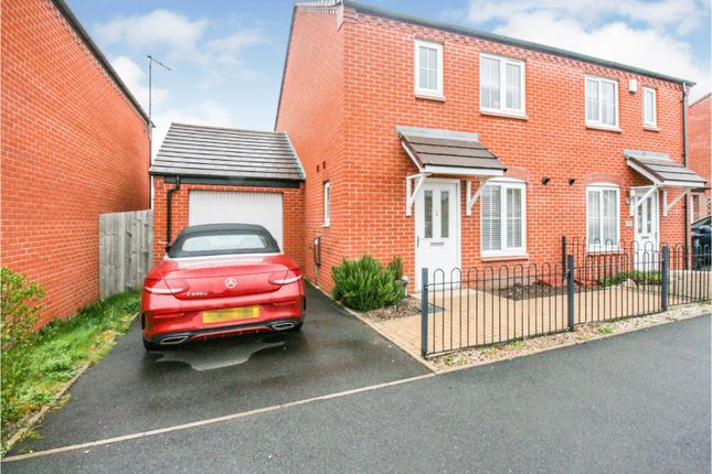 3 bed semi-detached house for sale in Chestnut Way, Alcester B50