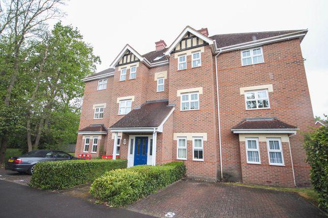 Thumbnail Flat to rent in Oakhanger House, Kingsley Square, Fleet