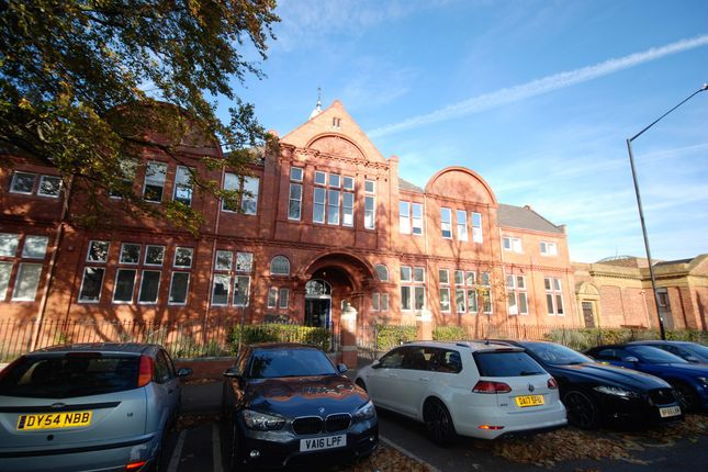 2 bed flat to rent in The Old Library, Warwickshire CV31