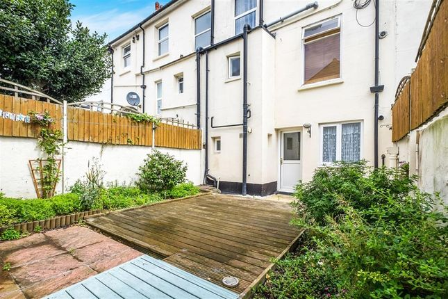 Thumbnail Flat to rent in Cavendish Place, Eastbourne