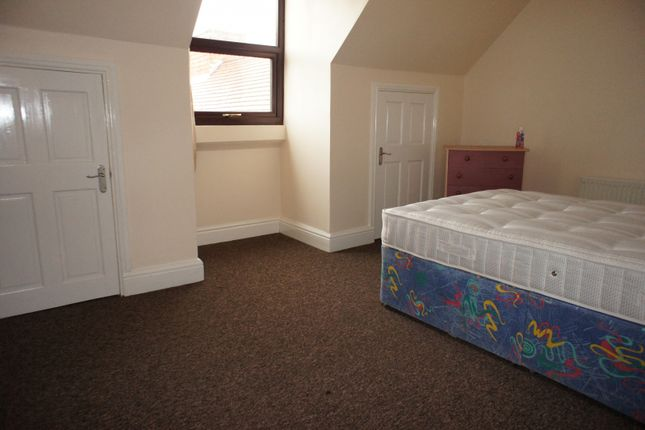 Thumbnail Shared accommodation to rent in Room 1, 53A Yardley Road