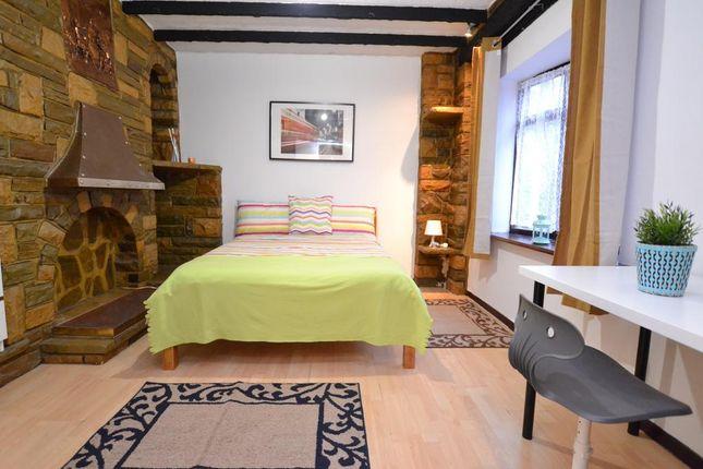 Thumbnail Room to rent in Stothard Street, London