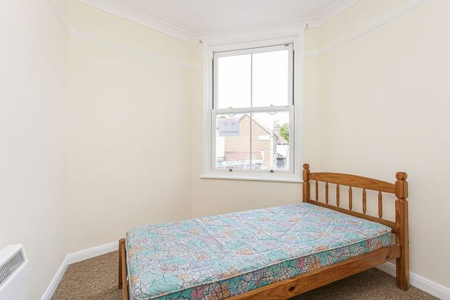 1 bed flat to rent in North Street, Emsworth, Hampshire PO10