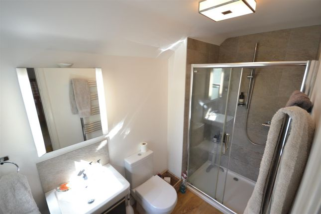 En Suite of West Hill, Epsom KT19