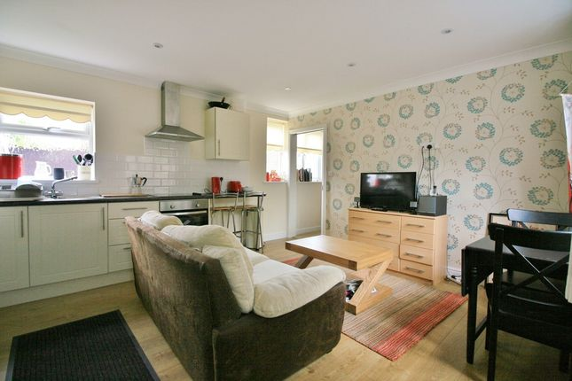 Thumbnail Maisonette to rent in Fernhill Road, Begbroke, Kidlington