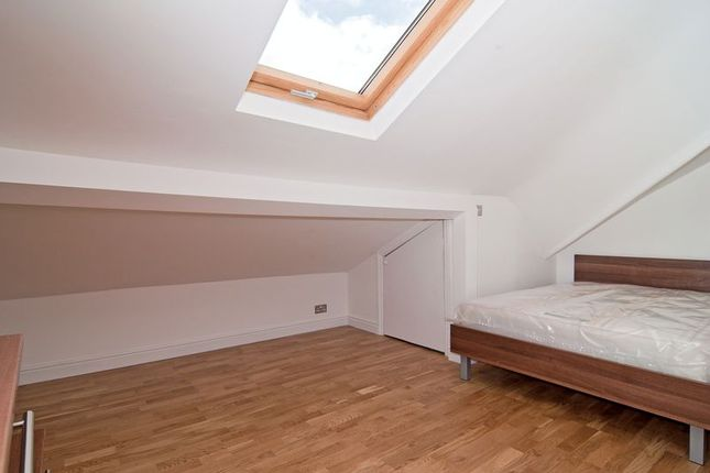 Thumbnail Property to rent in Richmond Way, London