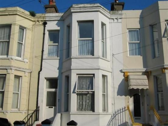 Thumbnail Flat to rent in Ceylon Place, Eastbourne