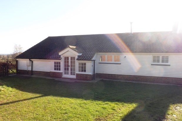 2 bed bungalow to rent in Ditchling Road, Lewes BN7