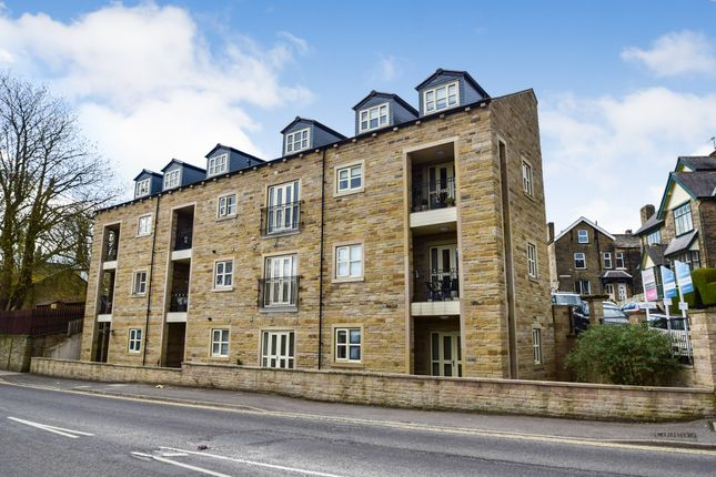 3 bed flat for sale in Lynmoor Court, All Alone Road, Idle, Bradford BD10