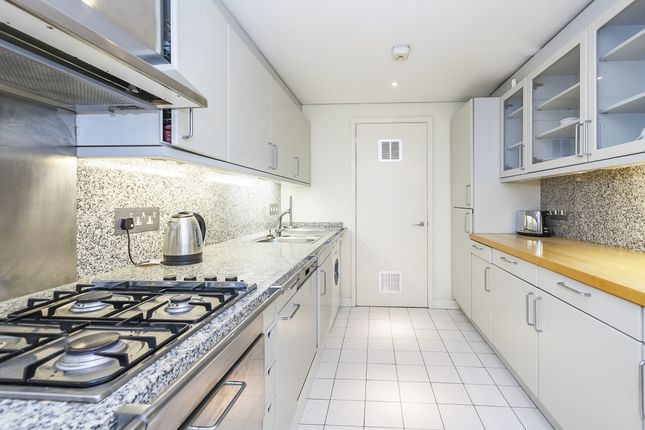 Kitchen of Shad Thames, London SE1