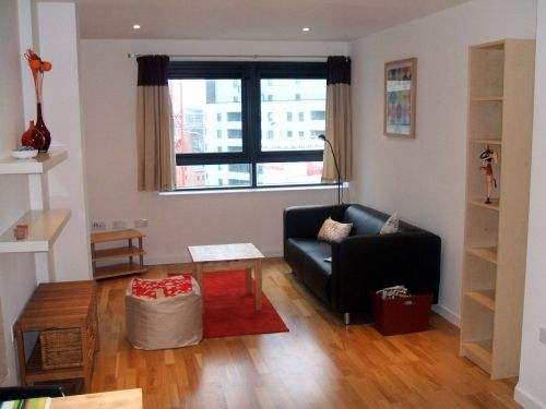 Thumbnail 1 bed flat to rent in Gateway North, Crown Point Road, Leeds