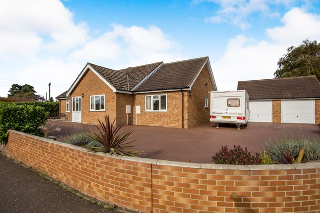 Thumbnail Detached bungalow for sale in Ollands Road, Attleborough