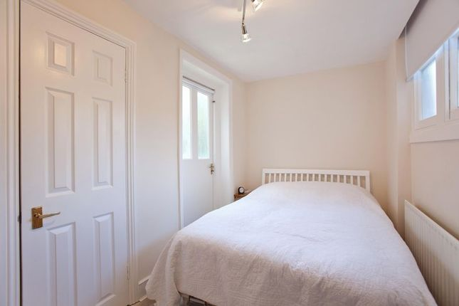 Bedroom of Fellows Road, London NW3